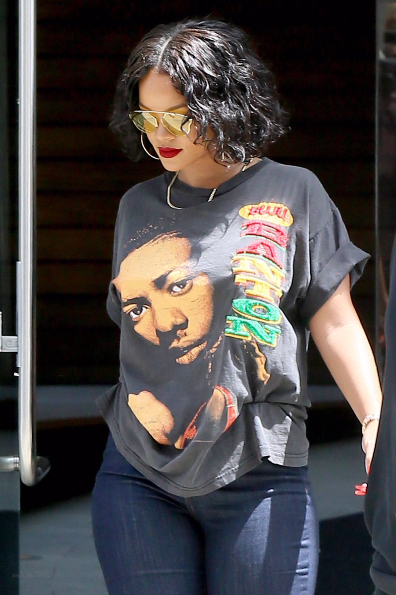 Rihanna in Buju Banton T-Shirt